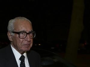 Foto de arquivo datada de 13 de outubro de 2014,  histórico socialista, António Almeida Santos. O presidente honorário do PS, Almeida Santos, morreu na segunda-feira com 89 anos, Lisboa,19 de janeiro de 2016. ANTÓNIO COTRIM/LUSA